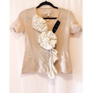 Anthropologie Cream Wool Bow Top Flower Decal XS